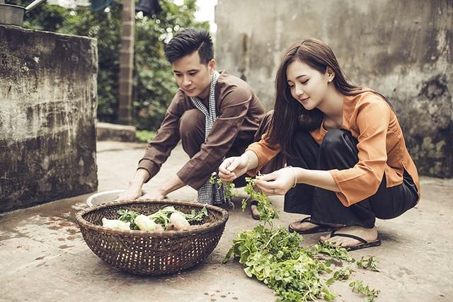 Ảnh cưới ở quê nhà của hot girl Lê Thu Hương và chồng.