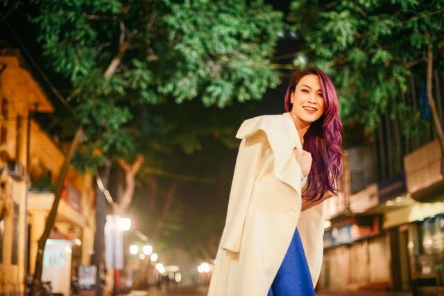 Mỹ Tâm yêu kiều trên phố cổ Hà Nội giữa đêm lạnh - 2