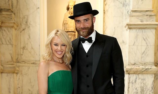 Kylie Minogue xác nhận trên trang cá nhân là cô và bồ trẻ đã chia tay và gửi những lời chúc tốt đẹp nhất cho tình cũ
