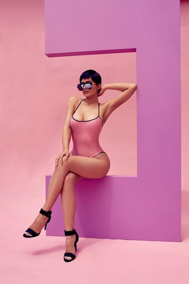 Kylie Jenner sexy trong bộ ảnh quảng cáo mới - 9