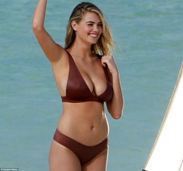 Bên cạnh đó người đẹp cũng bị nhiều chỉ trích về việc quá béo so với chuẩn siêu mẫu thông thường