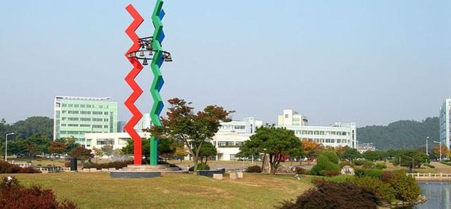 """Top 10 Đại học dưới 50 tuổi """"đỉnh"""" nhất châu Á - 3"""
