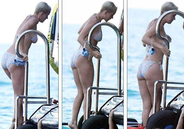 Katy Perry khoe dáng săn chắc trong bộ áo tắm hai mảnh - 21