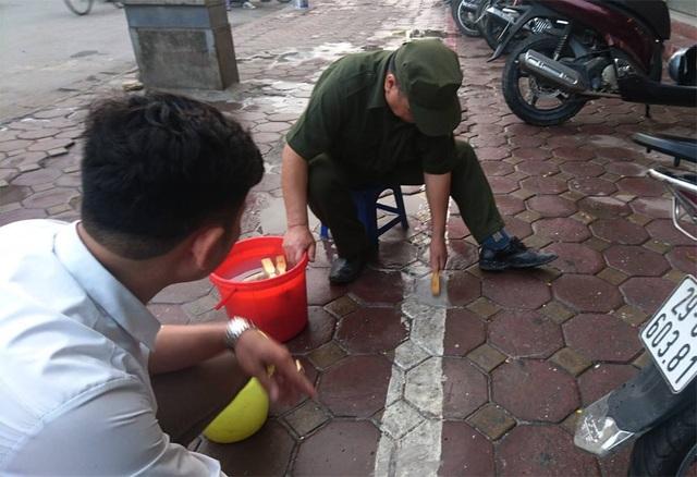 Hà Nội: Vì sao vạch kẻ vỉa hè đường Nguyễn Trãi có hình zích zắc? - 4