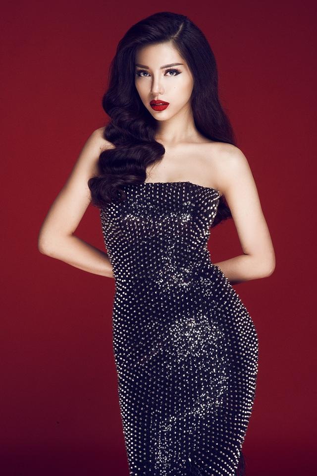 """Mỹ nhân Việt được bình chọn """"Phụ nữ hấp dẫn nhất châu Á"""" thích sống """"ẩn dật"""" - 1"""
