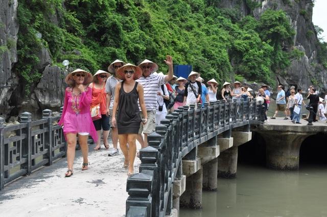 Phó Chủ tịch Hiệp hội Du lịch Việt Nam cho rằng, dù chưa thỏa mãn tất cả người làm Du lịch song Dự thảo luật lần này đã có nhiều thay đổi mang tính đột phá, góp phần thúc đẩy, từng bước đưa Du lịch trở thành ngành kinh tế mũi nhọn.