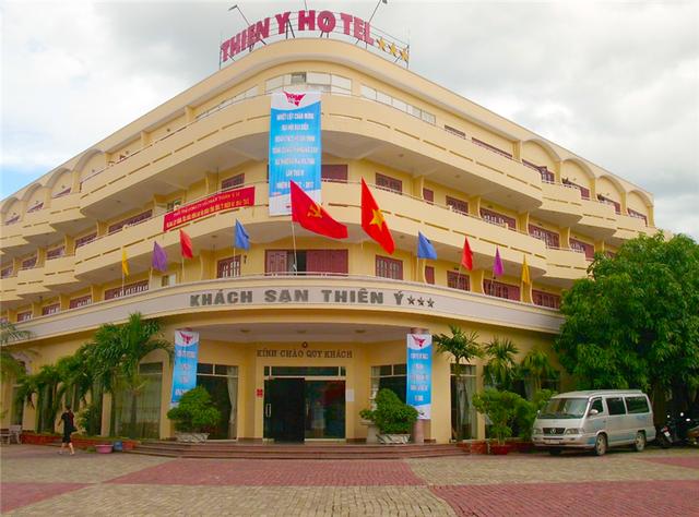 Khách sạn Thiên Ý, một điểm nhấn của khu du lịch biển Thiên Cầm, hiện đã được khách đăng ký lưu trú hơn một nửa trong dịp nghỉ lễ 30/4. 1/5 này. Dự kiến con số này sẽ còn tăng lên trong những ngày tới.