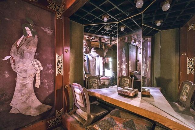 Bên trong một căn phòng thiết kế theo lối truyền thống Nhật Bản