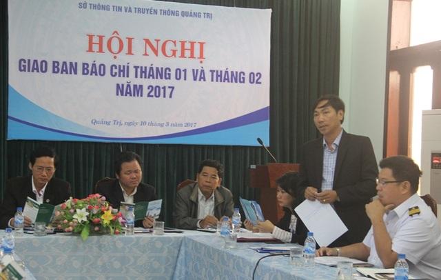 Ông Lê Minh Tuấn, Bí thư kiêm Chủ tịch đảo Cồn Cỏ trình bày các phương án khai thác du lịch