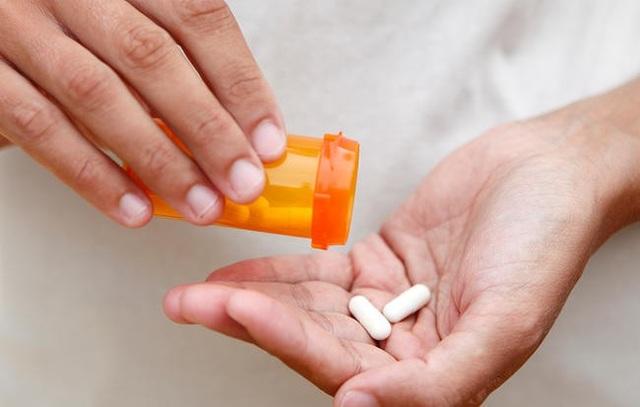 4 điều chị em không nên làm khi đang uống kháng sinh - 1