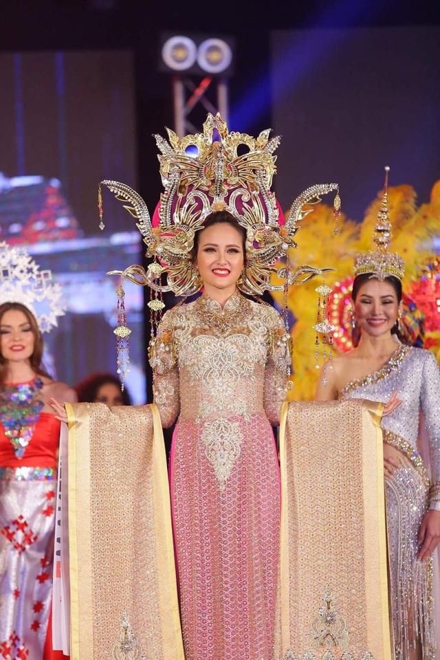 Bộ trang phục dân tộc do NTK Lê Long Dũng thực hiện được mọi người đánh giá cao. Tuy nhiên, giải thưởng National Costume – Quốc phục đẹp nhất đã thuộc về Miss Nicaragua.