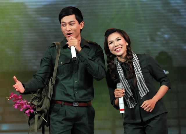 Ca sĩ Khánh Ngọc thể hiện thành công các ca khúc nhạc đỏ. Nữ ca sĩ khá đắt show trong những dịp lễ 30/4 bởi các chương trình văn nghệ đậm tính truyền thống.