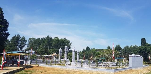 Lăng Trường Cơ của chúa Tiên Nguyễn Hoàng - vị chúa nhà Nguyễn đầu tiên vào trấn thủ vùng đất Thuận Hóa và đặt nền móng cho Đàng Trong