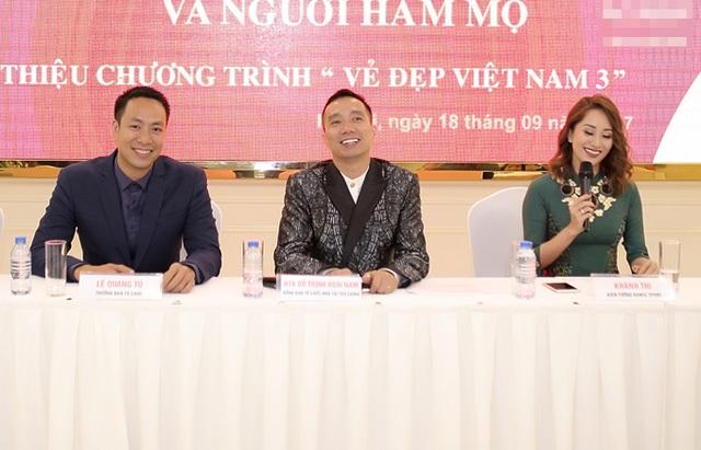Khánh Thi và NTK Đỗ Trịnh Hoài Nam và Đạo diễn Quang Tú - Trưởng BTC Vẻ đẹp Việt Nam (từ phải qua trái).