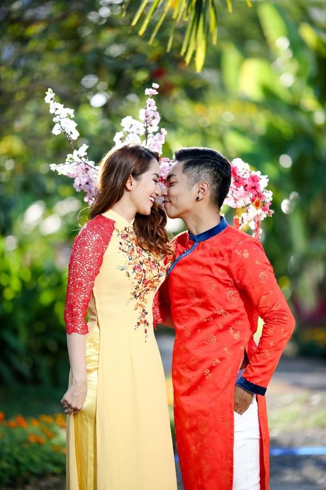 Mối tình của Phan Hiển - Khánh Thy từng rất long đong vì gặp sự phản đối của gia đình và sự soi xét của dư luận.