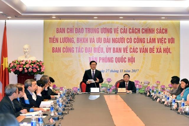 Phó Thủ tướng Vương Đình Huệ làm việc với các cơ quan của Quốc hội về vấn đề cải cách tiền lương