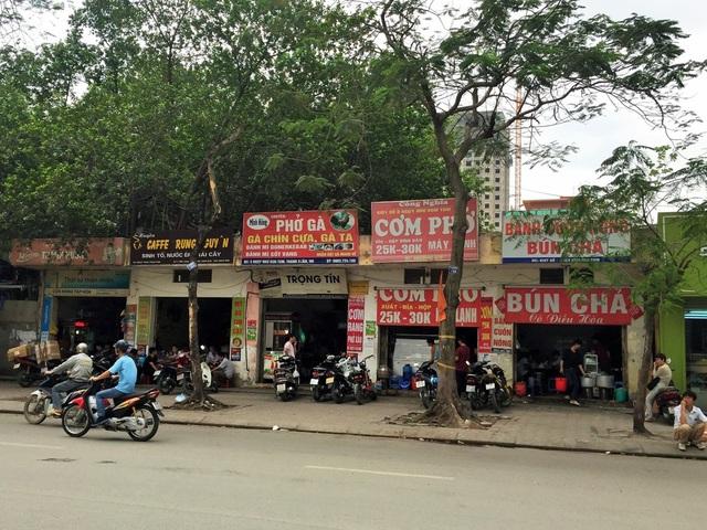 Các nhà trên đường Ngụy Như Kon Tum được đánh số lần lượt từ trái sang phải như sau: 68N, 86, 5, kiot số 6, kiot số 5.