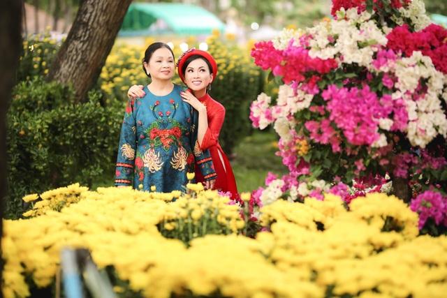 Trước đây, vì các con còn nhỏ, nên Hà Phương chưa thể về Việt Nam thường xuyên để thăm gia đình. Năm nay, các con cô đã lớn và biết chăm sóc bản thân nên cô yên tâm hơn khi trở về quê.