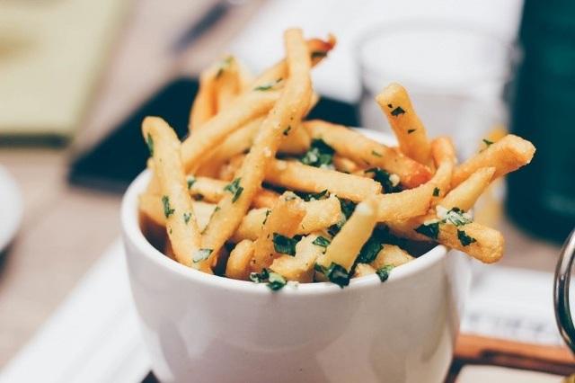 Những loại thực phẩm nên tránh để có vòng eo thon gọn - 6