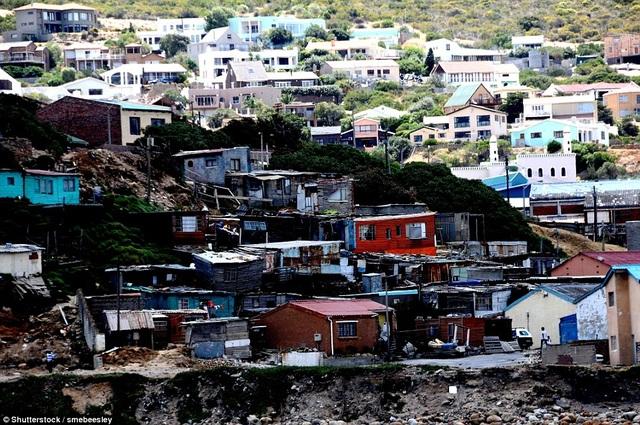 Brazil cũng là một trong những quốc gia Mỹ Latinh có sự phân chia rõ nét giàu - nghèo