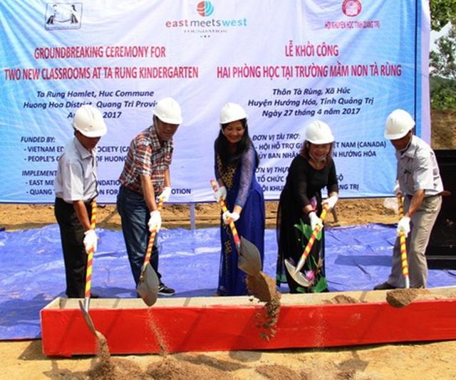 Hội Khuyến học tỉnh Quảng Trị phối hợp với nhà tài trợ khởi công xây dựng điểm trường tại xã Húc (huyện Hướng Hóa, tỉnh Quảng Trị).