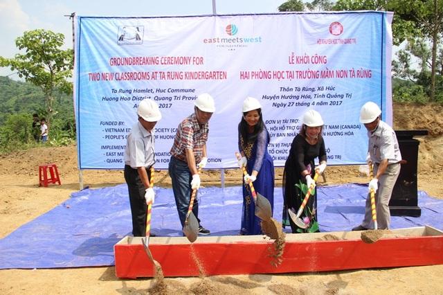 Những phần đất đầu tiên khởi động việc xây dựng trường