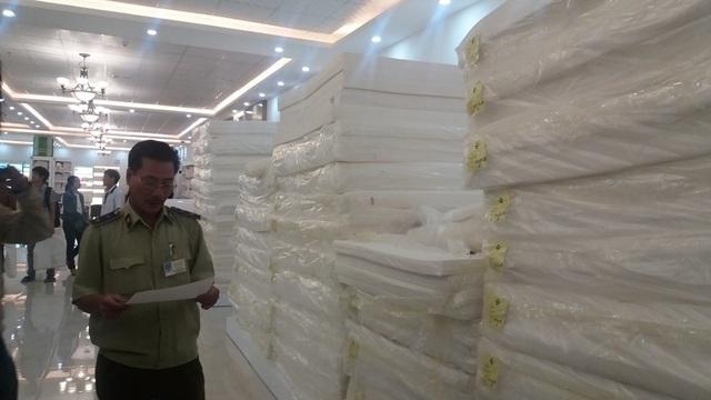 Đại diện lữ hành Đà Nẵng cho rằng nếu kiểm soát chặt chẽ nguồn gốc hàng hóa, việc nộp thuế của các cửa hàng đón du khách mua sắm thì tour 0 đồng không thể tồn tại lâu dài