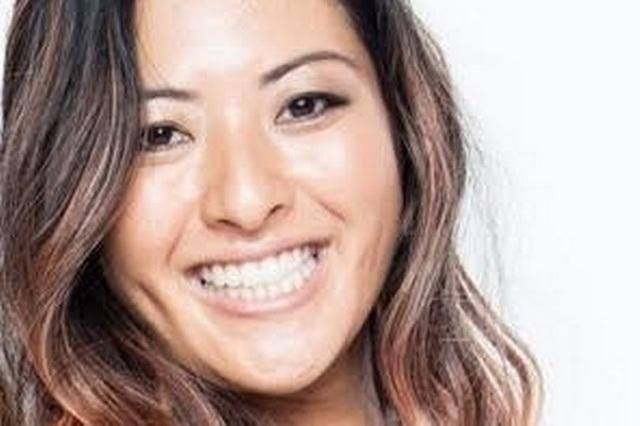 Kim Nguyen có thể kiếm 120-180 đô la Mỹ/ giờ bằng cách nhìn khách hàng tự thỏa mãn.