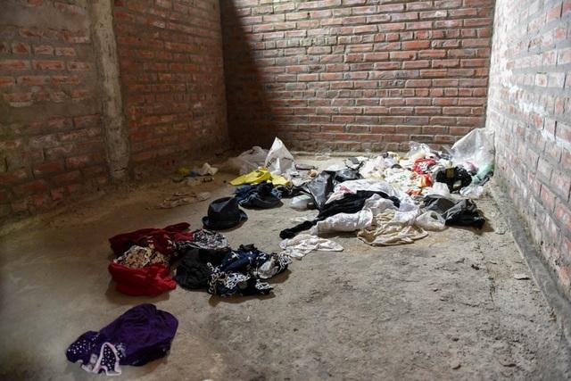 Một căn phòng biệt thự la liệt rác thải sinh hoạt cho thấy các đối tượng nghiện còn biến nơi đây thành chỗ tá túc.