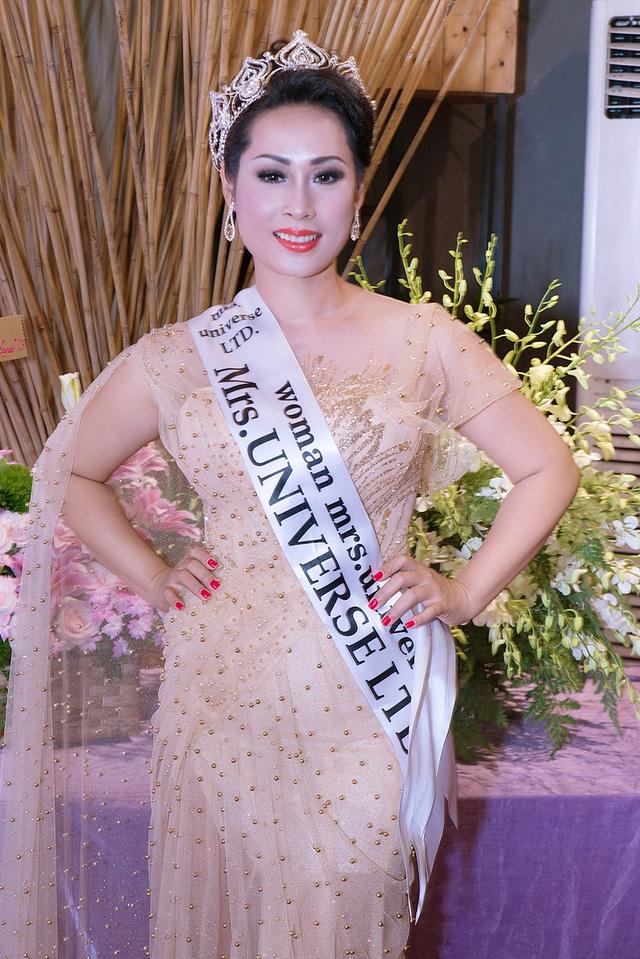 Hạnh Lê góp mặt tranh tài Mrs Universe 2017 tại Nam Phi và đã thắng 1 trong 2 giải thưởng danh giá nhất cuộc thi đó là Mrs Universe Ltd – Hoa hậu Qúy bà đại sứ hoàn vũ thế giới 2017 và được đặt cách vào thẳng Top 6 chung cuộc.