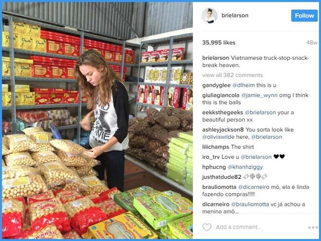 """Brie ghé thăm một cửa hiệu nhỏ bán thực phẩm ở Việt Nam và gọi nơi đây là """"thiên đường""""."""