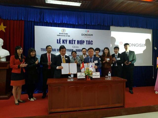 Đại diện 2 bên chính thức ký kết hợp tác