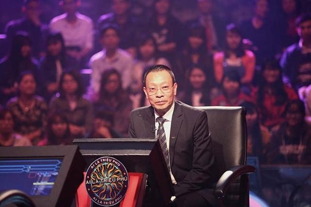 Nhà báo Lại Văn Sâm vẫn tiếp tục dẫn Ai là triệu phú khi về nghỉ hưu. Ảnh: TL.