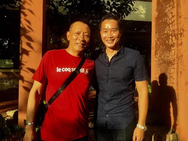 MC Lại Văn Sâm với BTV Hoa Thanh Tùng.
