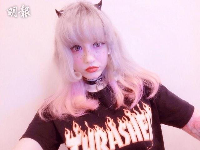 Bạn gái của Ngô Trác Lâm là hotgirl trên mạng xã hội và có sở thích trang điểm giống búp bê Barbie.