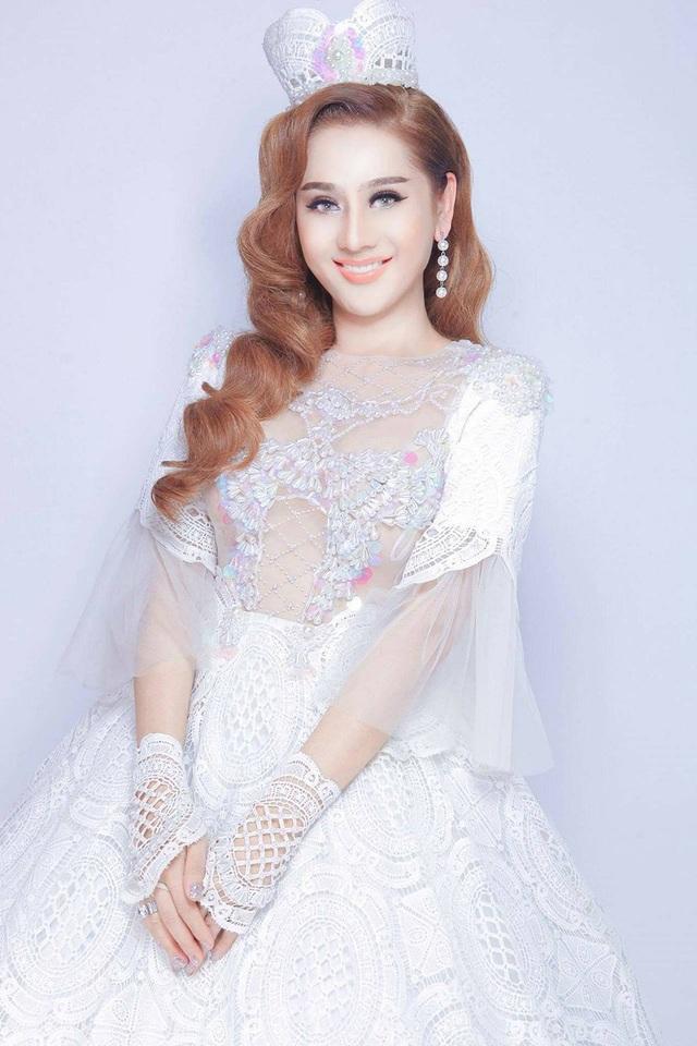 Lâm Khánh Chi tiết lộ hình cưới được chụp theo hình ảnh công chúa