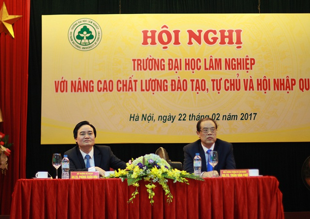 Bộ trưởng Phùng Xuân Nhạ dự hội nghị tại trường ĐH Lâm Nghiệp Việt Nam