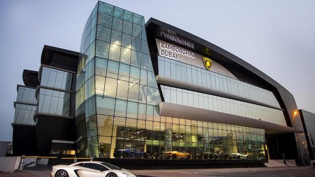 Trung Đông là một thị trường lớn của Lamborghini, CEO Stefano Domenicali cho biết trong lễ khai trương showroom.