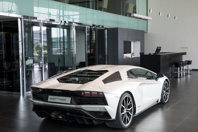 Lamborghini mở đại lý lớn nhất thế giới ở Dubai - 5