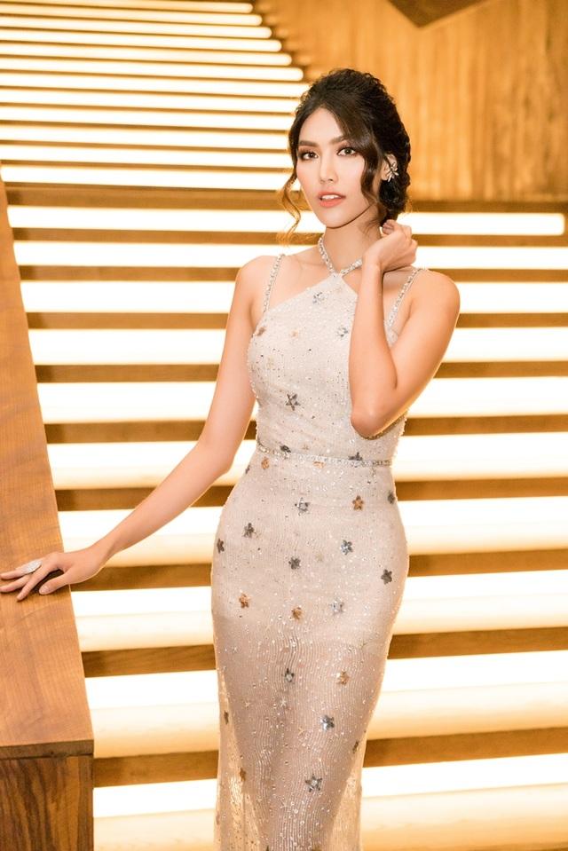 Thời gian qua, Lan Khuê thường xuyên vào top sao đẹp với những bộ cánh sang trọng, tinh tế cùng phom dáng chuẩn. Lan Khuê giành giải thưởng Người mẫu tài năng của năm. Trong thời gian qua, Lan Khuê đã rất thành công với vai trò của một Hoa hậu, siêu mẫu, HLV của The Face, một diễn viên. Ngoài ra cô còn là MC, đại sứ…
