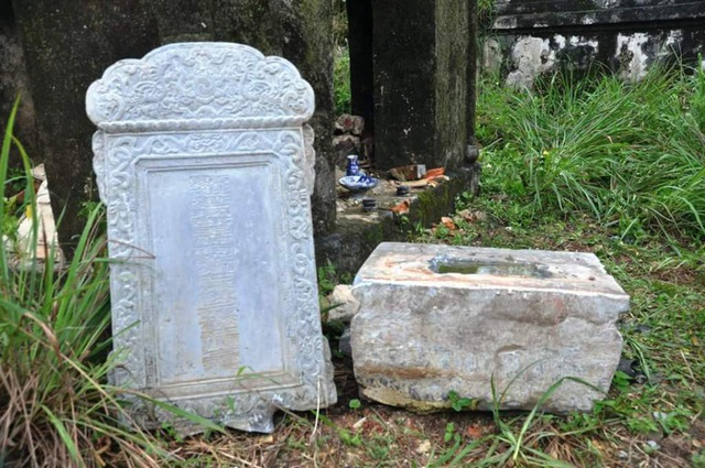 Lăng mộ mẹ vua Dục Đức bị kẻ gian đào tung nhà bia - 3