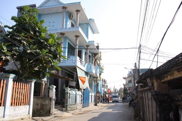 Những ngôi nhà cao tầng san sát mọc lên tại làng tỷ phú Kỳ Xuyên.