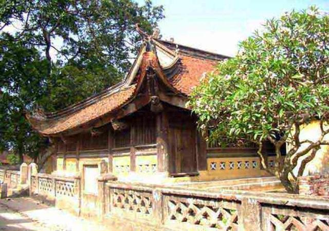 Làng Thổ Hà thuộc xã Vân Hà, huyện Việt Yên, tỉnh Bắc Giang, cách thủ đô Hà Nội khoảng 50 km về phía Bắc.