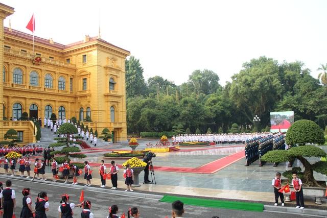 Bắn 21 loạt đại bác chào mừng Chủ tịch Trung Quốc tới Việt Nam - 14