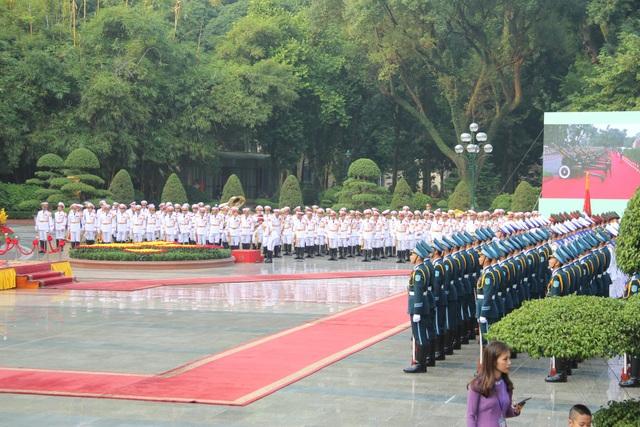 Bắn 21 loạt đại bác chào mừng Chủ tịch Trung Quốc tới Việt Nam - 15