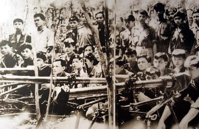 Quân giải phóng chuẩn bị vào chiến dịch Ba Gia.