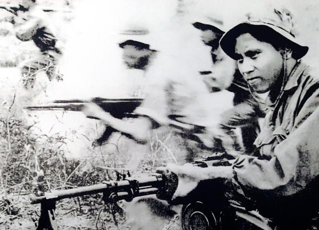 Trận tập kích chiến lược mùa xuân 1968 là đòn đánh sấm sét khiến quân địch khiếp sợ và bạn bè năm châu nức lòng.