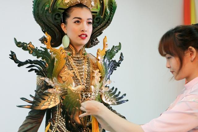 Những hé lộ đầu tiên về quốc phục của Lệ Hằng tại Miss Universe - 4