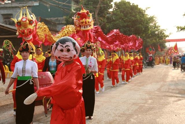 Các hoạt động mang đậm bản sắc văn hóa dân gian.