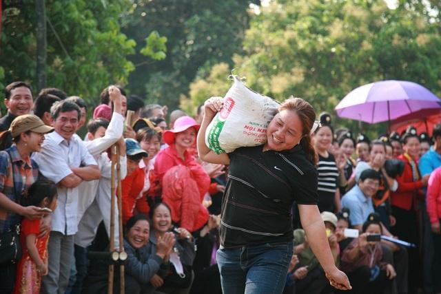 Điện Biên tưng bừng Lễ hội Thành Bản Phủ - 16